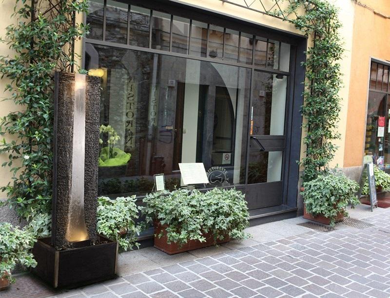 zimmerbrunnen flamme inox 180 lex edelstahl brunnen. Black Bedroom Furniture Sets. Home Design Ideas