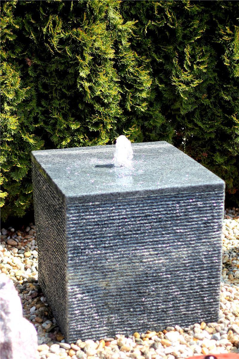 wasserspiel set quellstein w rfel 60cm granit. Black Bedroom Furniture Sets. Home Design Ideas