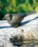 Bronzefigur Vogel nach unten schauend L12cm Bronze Gartenfigur Rottenecker
