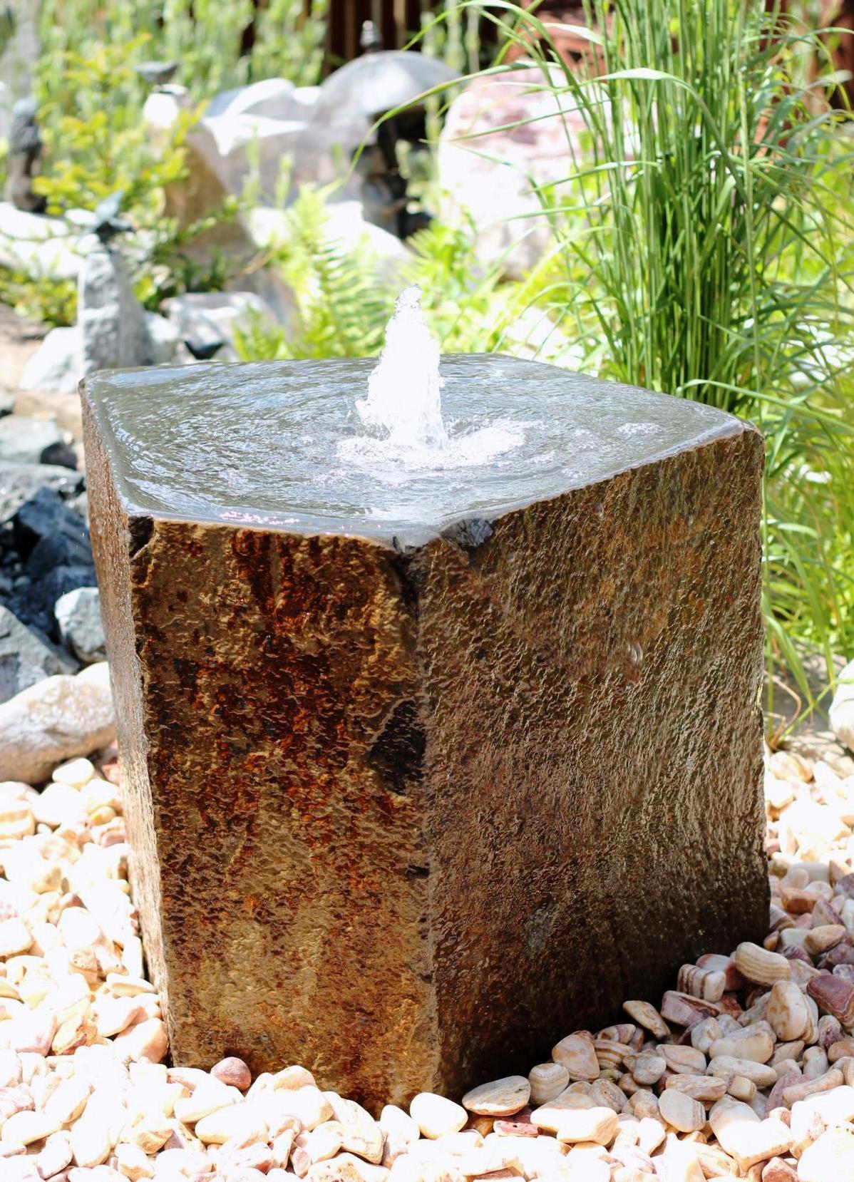 wasserspiel set quellstein basalt mit quellschale 60. Black Bedroom Furniture Sets. Home Design Ideas