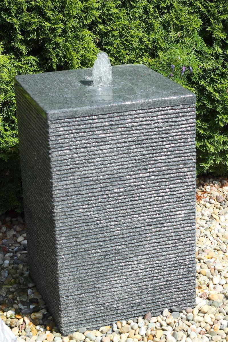 ausstellungsst ck wasserspiel set quellstein quader 80cm granit gartenbrunnen inkl pumpe. Black Bedroom Furniture Sets. Home Design Ideas