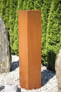 Wasserspiel kpl.SET: Cortenstahl Säule 150 Edelrost Wasserwand inkl. Pumpe Becken | Brunnen