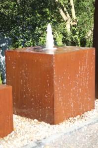 Wasserspiel SET Cortenstahl Kubus 100 Gigant Rost Würfel inkl. Pumpe Becken Brunnen