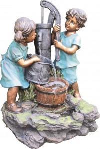Zierbrunnen Mia und Maxi an Schwengelpumpe 70 cm | Polystone Wasserspiel inkl. Pumpe und LED