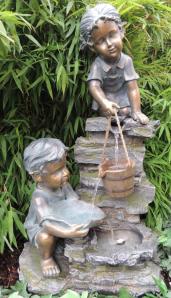 Zierbrunnen Sarah und Timi 76 cm | Polystone Wasserfall Wasserspiel inkl. Pumpe und LED