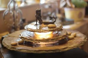 Zimmerbrunnen Kasumi mit Nixe | Feng Shui Schieferbrunnen inkl. Beleuchtung
