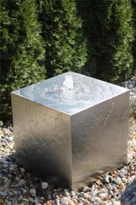 Wasserspiel SET Edelstahl Kubus 50 Würfel inkl. Pumpe Becken Springbrunnen AUSSTELLUNGSSTÜCK