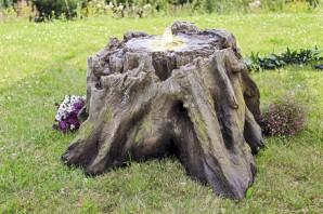 Springbrunnen Zen 50cm Baumstamm Polystone Gartenbrunnen inkl. Pumpe und LED
