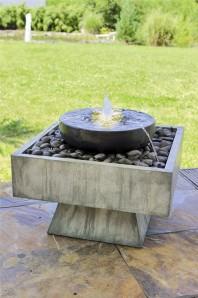 Springbrunnen Herra 46cm Polystone Gartenbrunnen inkl. Pumpe und LED