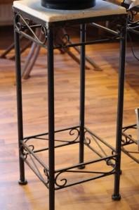 Tisch mit Marmorplatte 30/30/h77cm   Beistelltisch   geeignet für Zimmerbrunnen