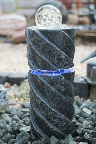 Wasserspiel SET Quellstein Fusan 60cm Granit Säule Gartenbrunnen inkl. LED