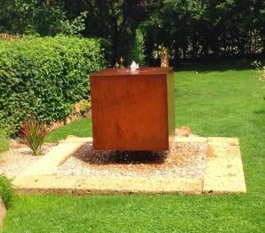 Wasserspiel SET Cortenstahl Würfel 70 Schwebeoptik Gartenbrunnen Edelrost