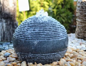 Wasserspiel SET Saturn Kugel 80 Granit Gartenbrunnen inkl. Pumpe LED