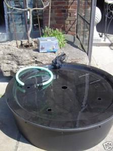 PE Becken mit GFK Deckel Ø112x35 | Pumpe Oase Aquarius Universal 1500  |  Schlauch