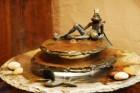 Zimmerbrunnen Kasumi Froschkönig | Feng Shui Schieferbrunnen inkl. Beleuchtung