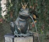 Froschkönig Ratomir 17cm Gartenfigur als Wasserspiel Bronze Skulptur Rottenecker