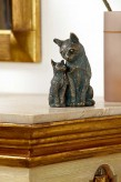Bronzefigur Katzen Mutter mit Kind | Dekoration aus Bronze für Heim und Garten