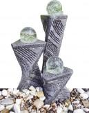 Wasserspiel kpl.SET: Quellstein Granit 3eck Spiralsäulen inkl. Pumpe | Becken | dreh. Glaskugeln
