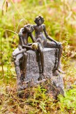 Bronzefigur Froschkönig Paar wasserspeiend 35cm | Wasserspiel aus Bronze für Garten, Teich und Bachlauf