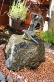 Wasserspiel kpl.SET: Quellstein Diabas mit Adern inkl. Pumpe | Becken