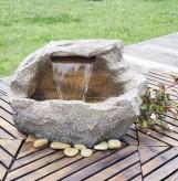 Wasserfall Siki Gartenbrunnen aus Polystone inkl. Pumpe und LED