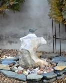 Wasserspiel SET Quellstein Ozeanfindling 50cm Gartenbrunnen mit Bronze Vogel