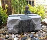 Wasserspiel SET Quellstein Mofang 55/40/h30 Granit Gartenbrunnen inkl. Pumpe