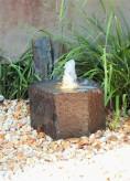 Wasserspiel SET Quellstein Basalt 29cm Gartenbrunnen mit Quellschale