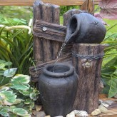 Jarro Wasserspiel 40cm Polystone Brunnen Holzoptik inkl. Pumpe und LED