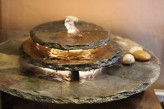 Zimmerbrunnen Kasumi | Feng Shui Schieferbrunnen inkl. Beleuchtung