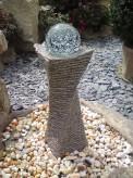 Wasserspiel kpl. SET: Quellstein Swirl Granit rosa inkl. Glaskugel Pumpe Becken | Zierbrunnen